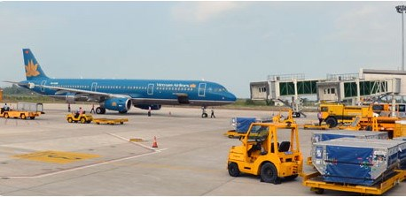 A Vietnam Airlines plane at the Can Tho International Airport. Photo credit: Can Tho Airport
