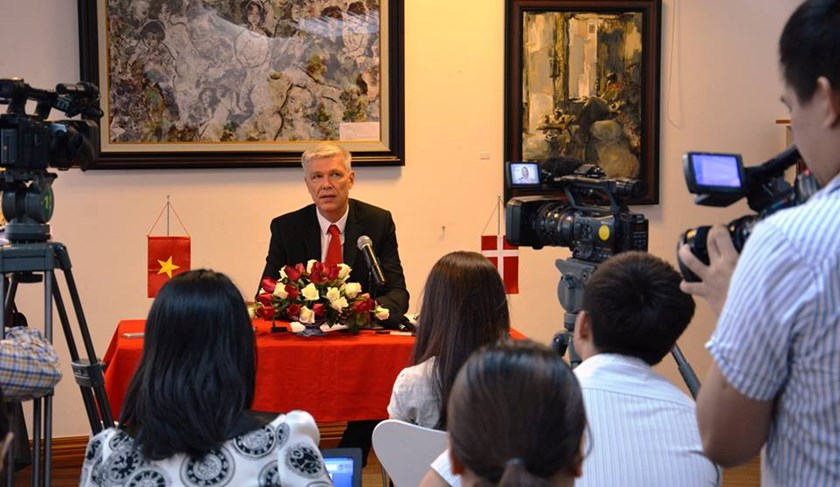 Danish Ambassador to Vietnam John Nielsen at the press conference in Hanoi on June 10,2014. Photo credit: Danish Embassy