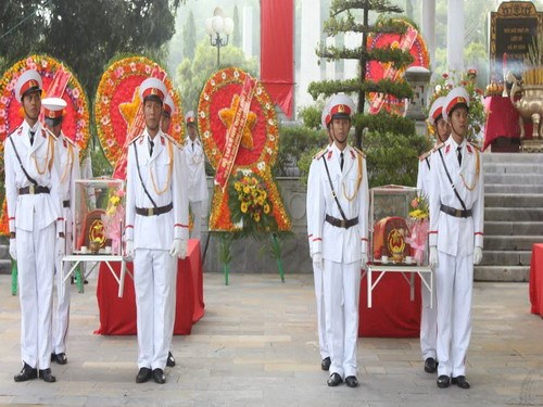 Vietnamese soldiers at a ceremony to commemorate 206 Vietnamese MIAs. Photo: Giang Phuong