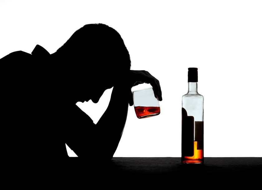 The Ministry of Health is polling for a bill that bans the sale of alcoholic drinks after 10 p.m. Photo: Shutterstock