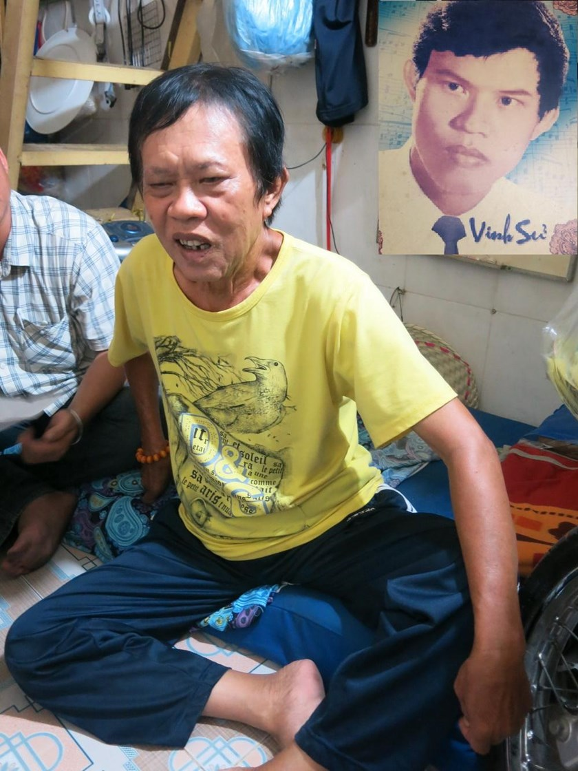 Vietnamese songwriter Vinh Su is struggling with cancer in his tiny house in Ho Chi Minh City's District 7. Inset: a photo of Vinh Su when he was young. Photos: Ha Dinh Nguyen