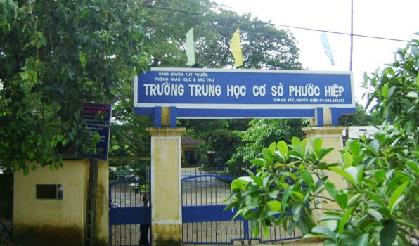 The Phuoc Hiep Secondary School in Binh Dinh Province where Trinh Thi Ngoc Hau worked using a fake nursing school certificate. Photo credit: Phuoc Hiep Secondary School