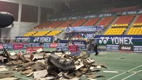 Roof collapses at Vietnam's badminton open; no injuries reported