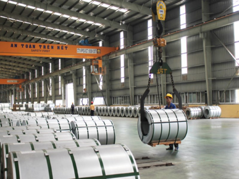 Anti-dumping tariffs will be imposed on cold rolled stainless steel imported from China, Indonesia, Malaysia and Taiwan starting October 5. Photo: Diep Duc Minh