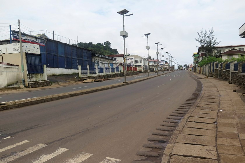 An empty street is seen at the start of a three-day national lockdown in Freetown September 19, 2014. Sierra Leone began a three-day lockdown on Friday in an effort to halt the spread of the Ebola virus, as President Ernest Bai Koroma urged residents to c