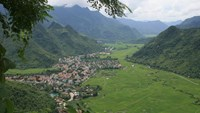Discovering the mountain lives of the Thai people in Mai Chau