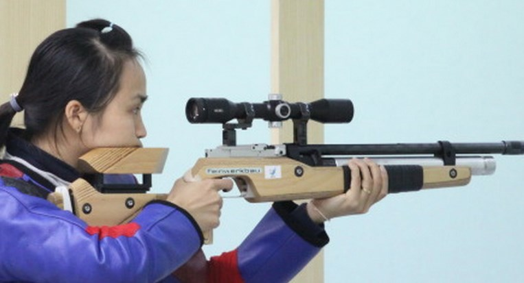 Nguyen Thi Thu Hang competes at the 17th Asian Games. File photo