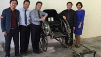 The Nguyen's Dynasty royal rickshaw at the Vietnamese Embassy in France. Photo: Phan Thanh Hai