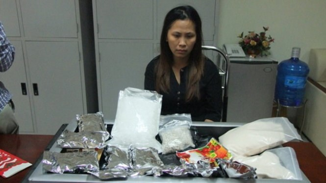 Nguyen Thi Thuy Linh was arrested for allegedly smuggling five kilograms of drug to Hanoi. Photo provided by Quang Ninh Customs
