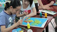 An art class at the An Binh Hospital in Ho Chi Minh City. Photo: Lan Chi