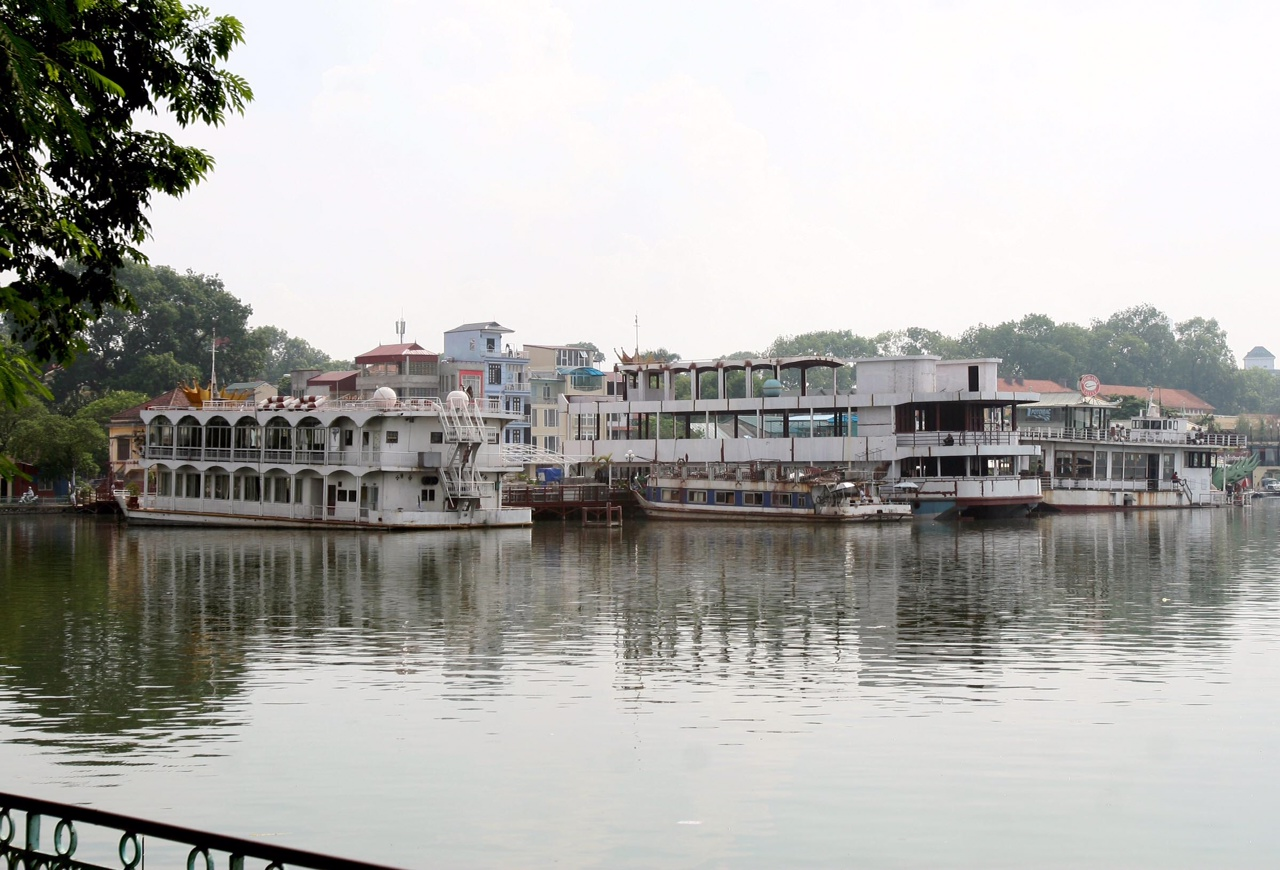 Hanoi wants national heritage status for polluted West Lake, experts demur