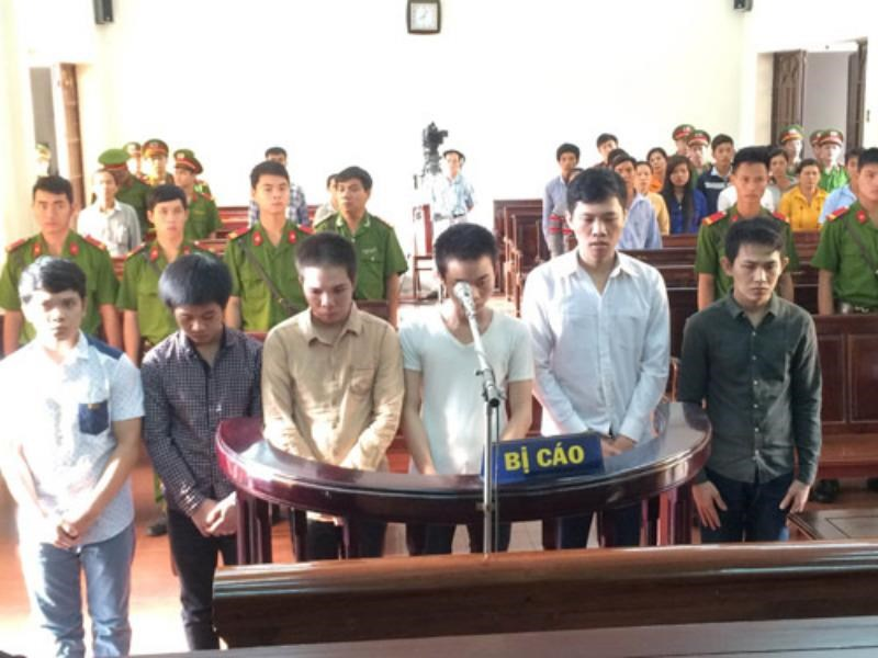 Six defendants stand trial in Dong Nai Province on December 3. Photo: Hoang Tuan