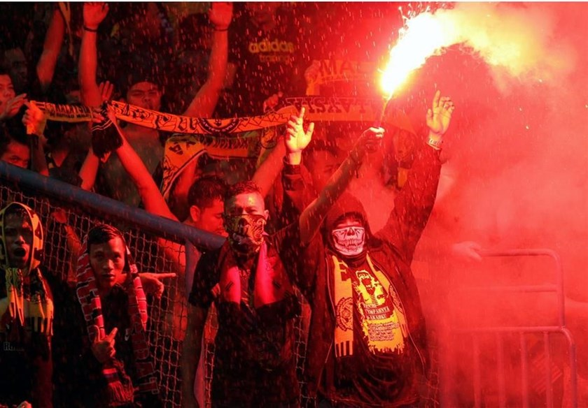 Malaysian fans on the Shah Alam stadium during an AFF Cup's first leg semifinal match against Vietnam on December 7. Photo credit: Reuters