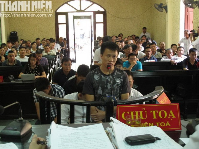 Vissai Ninh Binh's former famed defender Tran Manh Dung got 30 months in jail for match fixing. Photo: Quang Duan