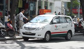 Vietnam unveils new taxi app to compete with Uber