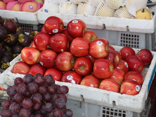 Apples imported from the US at a market in Ho Chi Minh City. Photo: Khanh Long