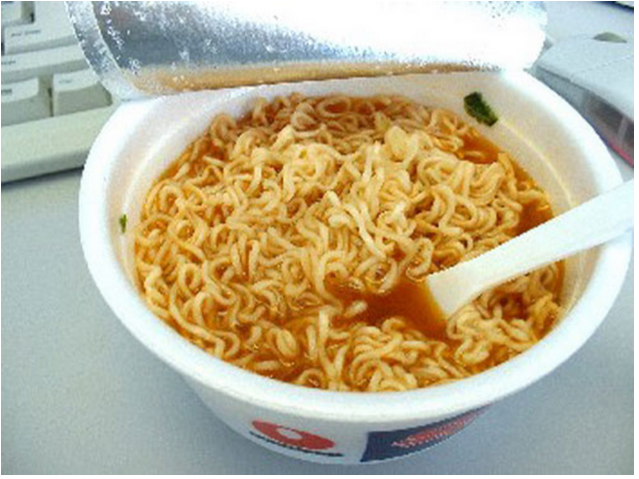 Hanoi airport food stall shut down after charging extortive price for instant noodles