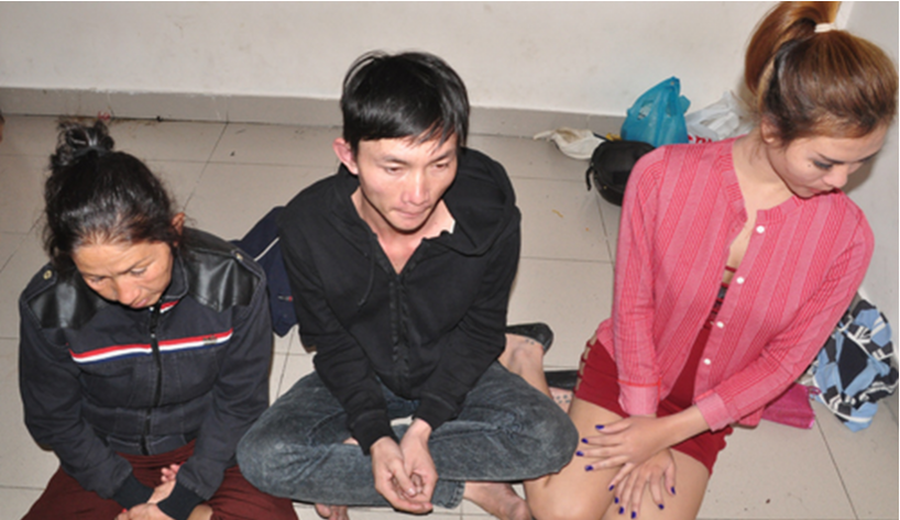 Three alleged robbers arrested for robbing a French tourist in downtown Ho Chi Minh City on February 1. Photo credit: VnExpress