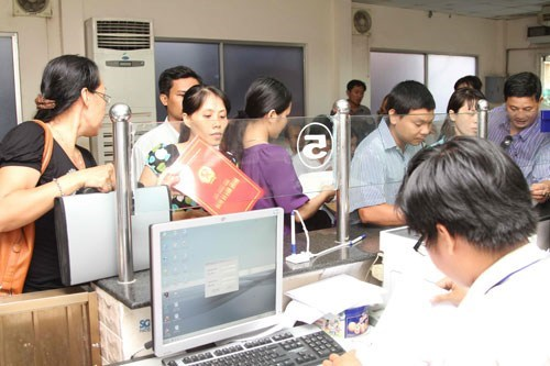 A civil cervant at work at the Ho Chi Minh City Department of Planning and Investment. Photo: Kha Hoa
