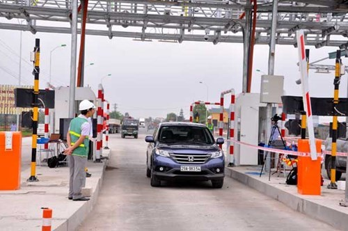 An electronic toll station in Quang Binh Province. Photo: Hoang Anh