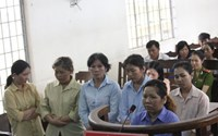 Pham Thi Ngoc Tuyet stands trial in Tay Ninh Province on December 2, 2014. Photo: Giang Phuong