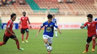 Hoang Anh Gia Lai's striker Cong Phuong did not have a chance to score a goal against strong defense of Dong Nai in a V.League match on April 19.