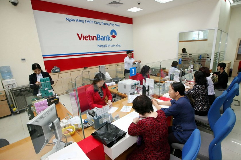 A branch of VietinBank in Hanoi. Government inspectors have found many wrongdoings in the bank's activities from 2009-2012. Photo: VNA