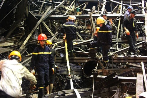 The scaffold collapse at Vung Ang Economic Zone in Ha Tinh Province on March 25 that killed 13 people and injured 26. Photo: Nguyen Dung