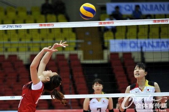 Vietnam's young team performs well against Japan at the 18th Asian Women's Volleyball Championship. Photo credit: Vietnam women's volleyball