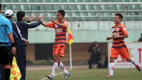 A Vissai Ninh Binh player celebrates a goal against Dong Tam Long An in a top-flight V-League match in 2014 season. Photo: Minh Tu