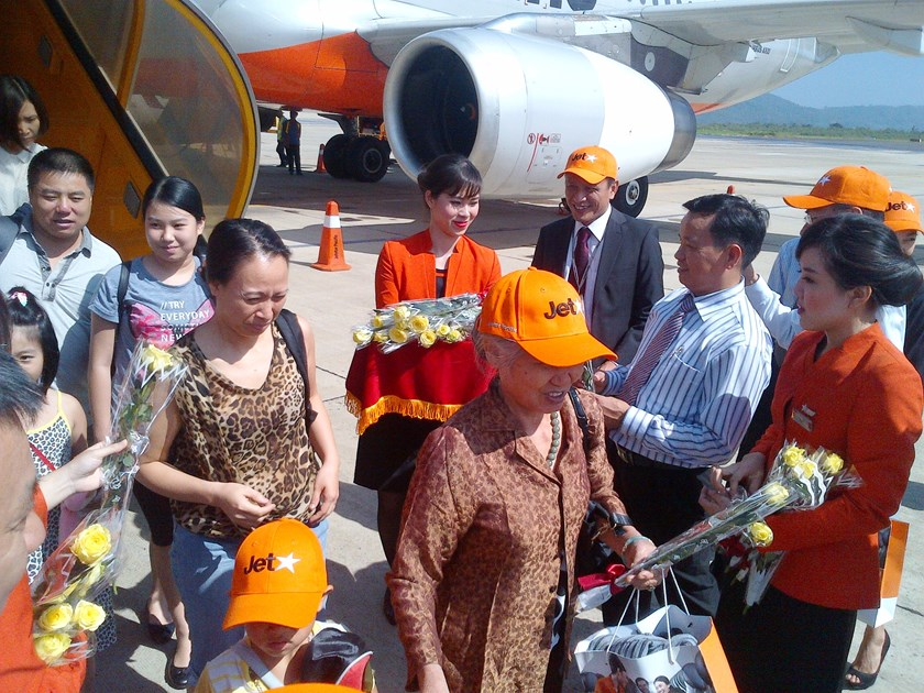 Passengers arriveat Lien Khuong Airport on June 1. Photo credit: Jetstar Pacific