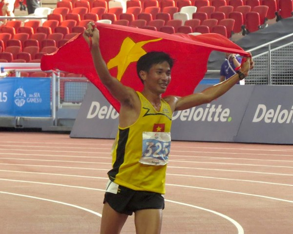Vietnam's former army chef breaks 22-year SEA Games running record