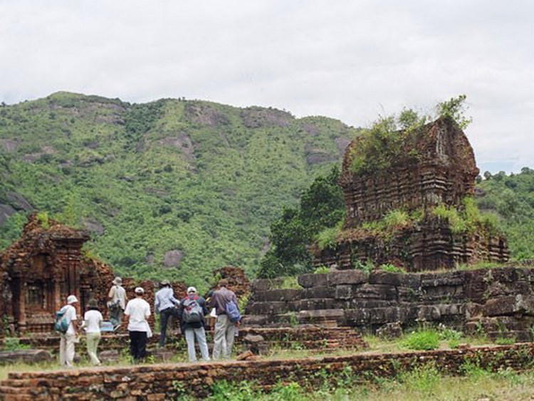 Tourists visiting the My Son Relic in the central province of Quang Nam. Photo: Nguyen Tho