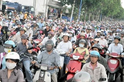 A controversial road maintenance fee may be cancelled for motorbikes in Vietnam. Photo: Diep Duc Minh