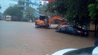 Northern town under 4m of water after record downpour, 3 killed