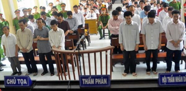 Defendants stand trial at the Soc Trang People's Court on August 4, 2015. Photo credit: VnExpress