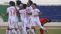 Vietnam's U19 players celebrate their win over Timor-Leste at the Laos National Stadium on August 25. Photo: Do Hai