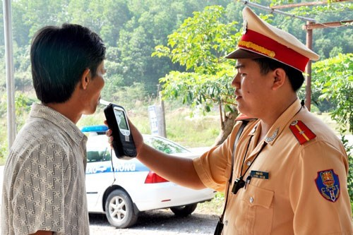 A driver being tested for breath alcohol content in Quang Ninh Province. Photo: Thuy Hang