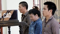 Phan Thi Chin (C) and her two accomplices stand the trial in Nghe An Province on September 11. Photo credit: Tuoi Tre