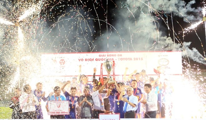 Becamex Binh Duong celebrate their V.League champion title on September 20.
