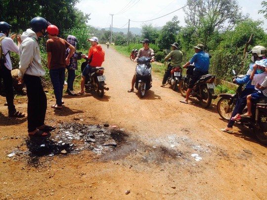The crime scene where two dog thieves were beaten to death in Dak Lak Province on October 6, 2015. Photo credit: Nguoi Lao Dong