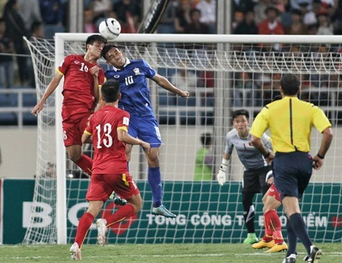 Thailand had a 3-0 win over host Vietnam in a 2018 World Cup qualifying match in Hanoi's My Dinh Stadium on October 13, 2015. Photo: Bach Duong