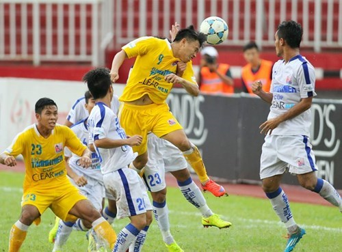 Van Thanh scored the second goal for Hanoi T&T with a header.