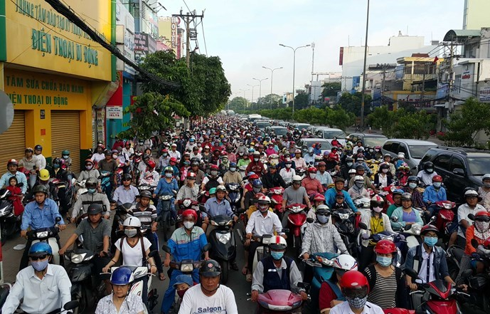 A traffic gridlock on Truong Chinh Street  in Ho Chi Minh City. Photo: Doc Lap
