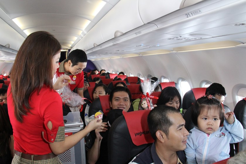 Flight attendants on a Vietjet Air flight. Photo: Khanh An