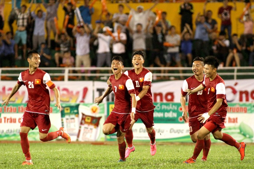 Vietnam Under-21 players celebrate a goal against Thailand on November 22. Photo: Kha Hoa