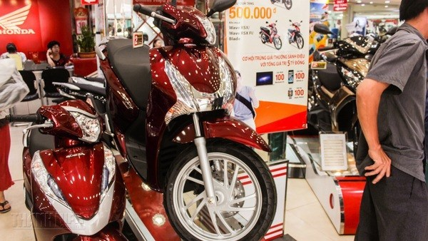 Honda SH scooters on sale at a shop in Vietnam. Photo: Huu Danh