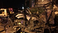 Bus crashes into truck on Hanoi expressway; 2 killed