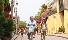 2 young men jailed for robbing German tourist in Hoi An