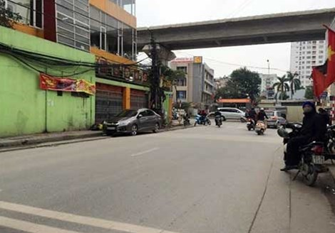 The corner of Tran Phu and Chien Thang Street in Hanoi where a motorbike driver allegedly stabbed a policeman on January 25, 2016. Photo credit: CAND